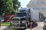 V Pardubicích pomáhá zrychlit vakcinaci speciálně upravený kamion.