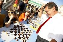 Akce s názvem Zábava a hra napříč staletími se ve středu konala na pardubickém Pernštýnském náměstí