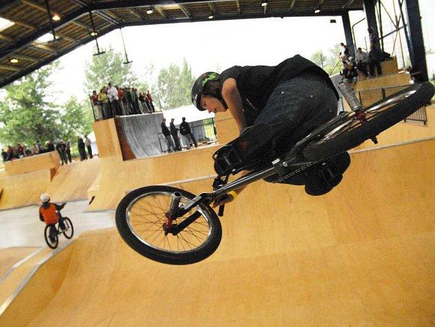 Nově otevřený skatepark v Pardubicích
