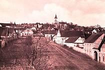 Původní obec Chvaletice,  nyní Hornická Čtvrť. Koncem devatenáctého století stálo ve Chvaleticích a Telčicích celkem kolem sto třiceti domů.