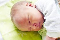 DANIEL LÍKAŘ se narodil 27. ledna v 17 hodin a 32 minut. Měřil 50 centimetrů a vážil 3030 gramů. Maminku Jarmilu podpořil u porodu tatínek Vojtěch. Doma v Pardubicích na nového sourozence čeká bráška Viktor.
