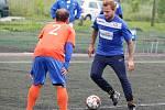 Utkání Pardubické malé kopané mezi týmy FC Laguna a TFT Pardubice v areálu na Hůrkách.