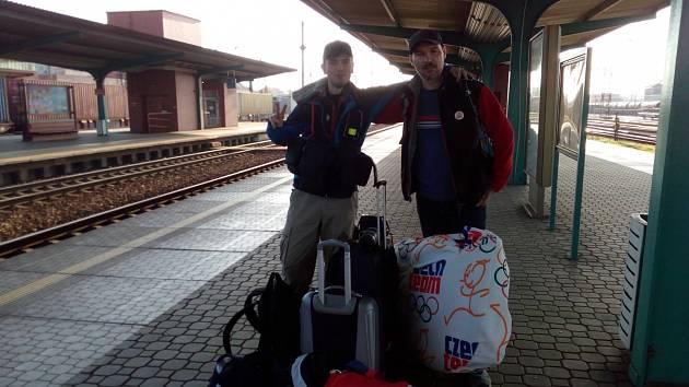 Pátek 14. dubna, 8:00 hodin - vyrážíme z nádraží Pardubice, cílová destinace: Kypr.