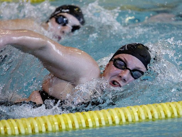 V pardubickém bazénu se v sobotu konalo mistrovství ČR v dálkovém plavání. Větší konkurence se sešla v ženské kategorii. Čas pod jednu hodinu zaplavala jen Jana Pechanová.