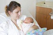 MAJA DUBSKÁ se narodila 16. dubna ve 20 hodin a 53 minut. Mě- řila 52 centimetrů a vážila 3570 gramů. Maminku Michaelu podpořil u porodu tatínek Jan. Rodina bydlí v Chrudimi.