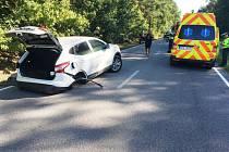 Střet dvou vozidel mezi Živanicemi a Lázněmi Bohdaneč zablokoval silnici.