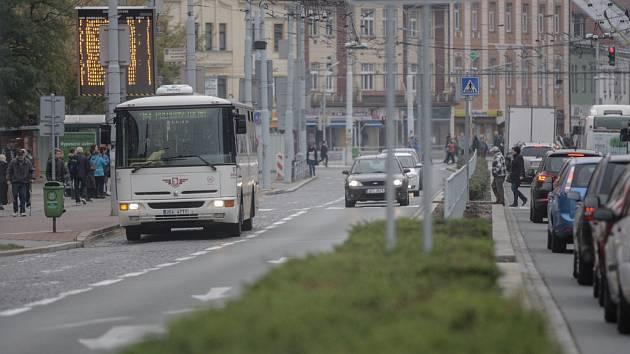 Dopravní podnik chce obnovit pruhy pro hromadnou dopravu