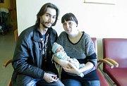 MARTIN JUHAS se narodil 20. listopadu v 1 hodinu a 8 minut. Měřil 51 centimetrů a vážil 3690 gramů. Maminku Zuzanu podpořil u porodu tatínek Michael. Rodina bydlí v Pardubicích.