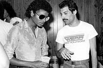 Vzácné setkání dvou hudebních legend - Michael Jackson a Freddie Mercury