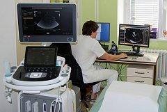 Nový echokardiograf na kardiologickém oddělení.