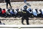 Příprava na EURO 2012. Policie v České Třebové se připravuje na fotbalové chuligány.