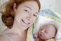 Jakub Kalina se narodil 26. října ve 21:40 hodin. Měřil 52 centimetrů a vážil 3740 gramů. S maminkou Simonou byl u porodu tatínek Tomáš. Rodina si svého prvorozeného odveze do Starého Hradiště.