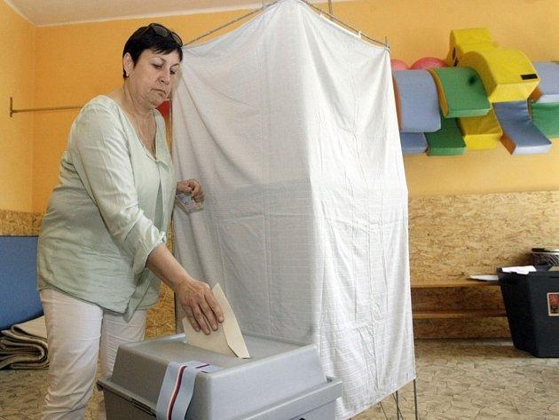 K volební urně dorazila i primátorka města Štěpánka Fraňková.