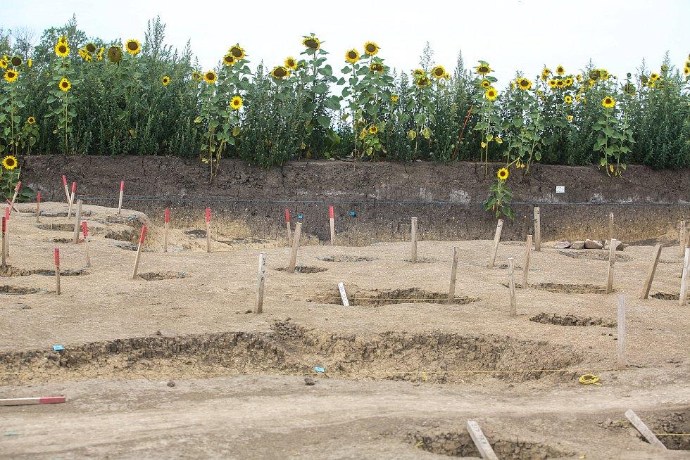 Archeologický průzkum před vybudováním silničního obchvatu Crhudim - Slatiňany v obci Vlčnov.