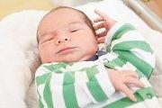 VOJTĚCH KŘIVKA se narodil 16. ledna v 5 hodin a 39 minut. Měřil 51 centimetrů a vážil 4050 gramů. Maminku Michaelu podpořil u porodu tatínek Tomáš. Doma v Pardubicích na nového sourozence čeká pětiletá Michaela.