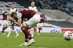 Tomáš Souček v dresu West Ham United, který dotáhl v posledních deseti minutách třígólové manko.
