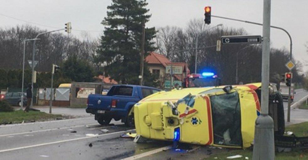 Nehoda sanity  v Úvalech u Prahy