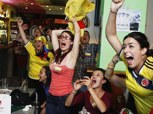 Festival nefestival, kolumbijský sbor Arcadia fandil svému týmu proti Brazílii o 106!