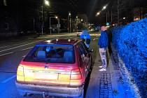 Strážníci zastavili řidiče, který byl pod vlivem drog i alkoholu. Neměl ani řidičský průkaz.