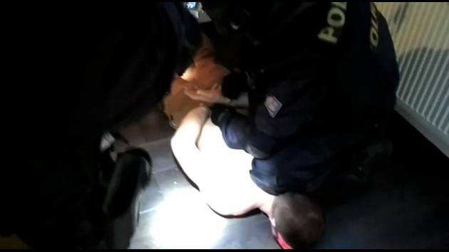 Pro dealera drog si policisté pořádkové jednotky došli do Čáslavi.