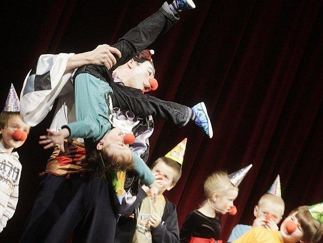 Zahájení XI. ročníku GRAND Festivalu Smíchu ve Východočeském divadle v Pardubicích.