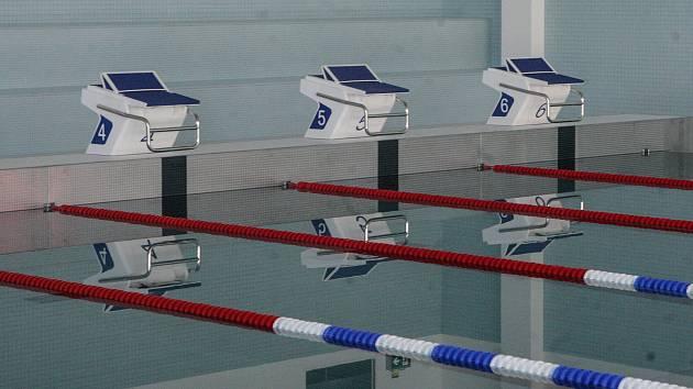 Slavnostní otevření nového 25metrového bazénu v pardubickém aquacentru.