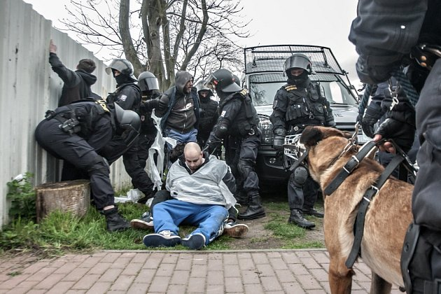 Policisté na derby Pardubic a Hradce zadrželi 11fanošků hostí.