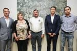 Tisková konference politických uskupení (pětikoalice) o možné povolební spolupráci v Pardubicích.