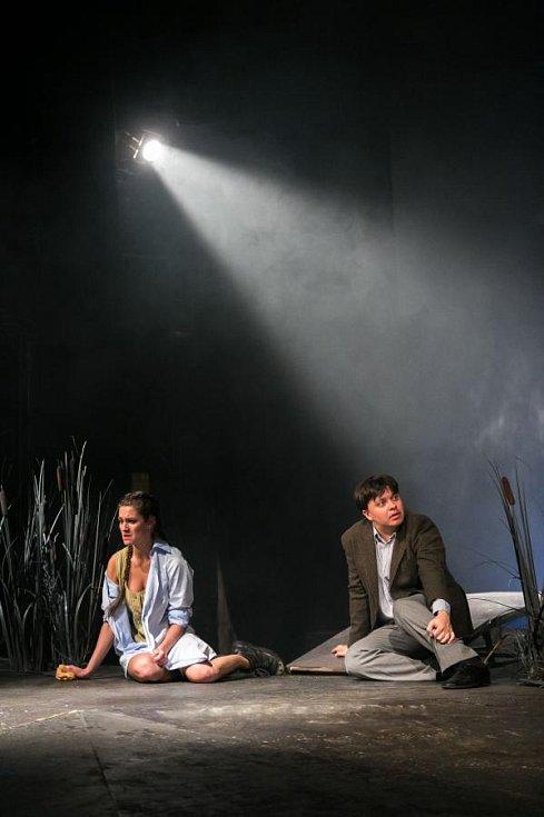 Premiéra Lovecké sezóny z Dolního Bavorska v podání Východočeského divadla Pardubice.