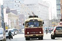 HISTORICKÝ TROLEJBUS se opět objeví v ulicích krajského města.