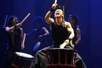 Show japonských bubeníků jménem Yamato