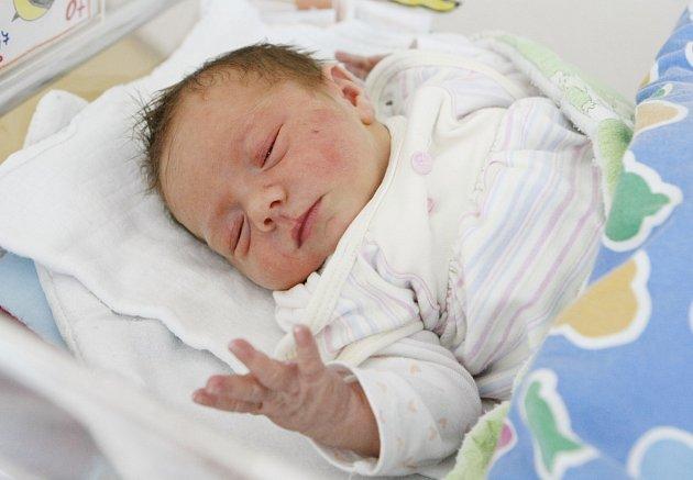 LAURA REZLEROVÁ se narodila 6. září v 8:44 hodin. Měřila 47 centimetrů a vážila 3,06 kilogramu. Lauru si domů do Lázní Bohdaneč odvezou maminka Alena a tatínek Patrik.lii odvezou domů do Zminného.