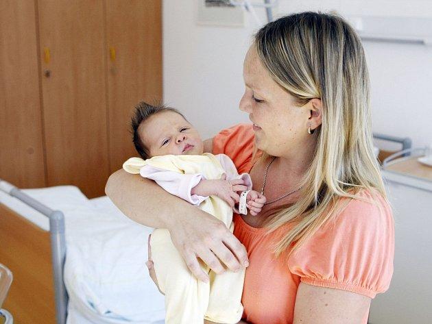 VANESA REJMONTOVÁ se narodila 23. srpna  v 1:18 hodin. Vážila 3,16 kilogramu a měřila 50 centimetrů. Tatínek Jan podpořil maminku Lucii u porodu. Doma v Přelovicích na ně čeká Gita (3).