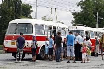 Zrekonstruovaný vlečný vůz Jelcz z roku 1965 znovu vyrazil do provozu