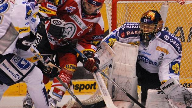 Hokejové utkání mezi HC Moeller Pardubice a HC Lasselsberger Plzeň