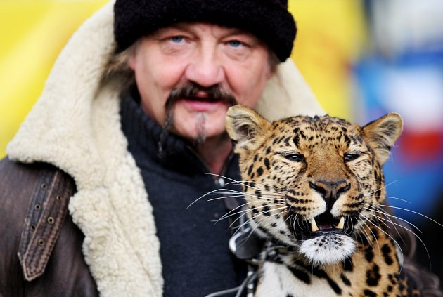 Principál s leopardicí Novou