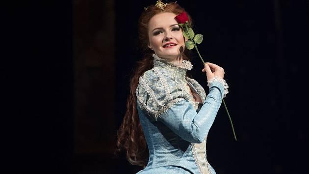 Jana Ondrušková v inscenaci Zamilovaný Shakespeare.