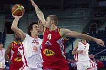 ČEZ Basketball Nymburk - BK JIP Pardubice 87:83
