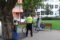 Kontroly cyklistů kvůli jízdě po chodníku