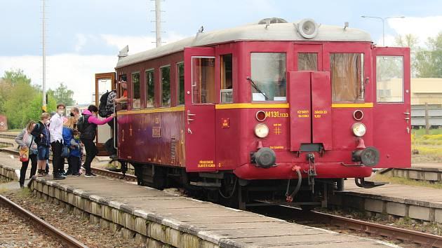 Nadšenci z železničního muzea v Rosicích provětrali starý motoráček