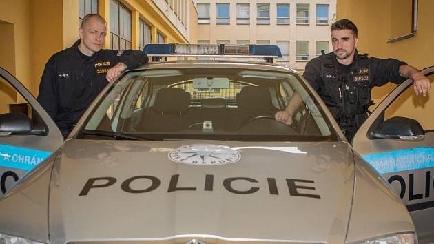 PARDUBICKÉ POLICISTY hřál po dopadení pachatele pokusu loupežné vraždy především pocit z dobré práce.