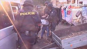 Policisté si došli pro pachatele, kteří vykrádali školy a školky v Pardubickém kraji