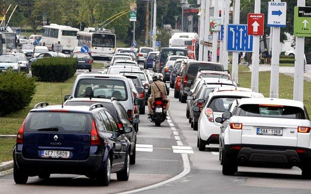 Co je podle obyvatel Pardubic největším problémem v dopravě? Odpovídat budou Pardubičtí.