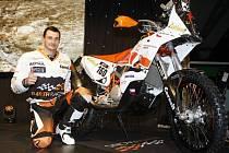 Před odjezdem motorky do Jižní Ameriky ukázal Ondřej Klymčiw svůj stroj veřejnosti. Věří, že tenhle poklad ho zdravého doveze do cíle. Nejede jen na zkušenou, chce skončit co nejvýš.