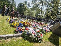Pietní připomenutí 75 let od vyhlazení osady Ležáky.