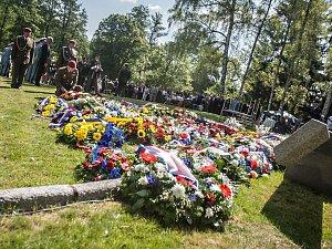 Ležáky si připomněly 75 výročí nacistického zločinu