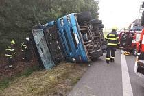 Převrácený kamion v Dražkovicích, 13.9.2021