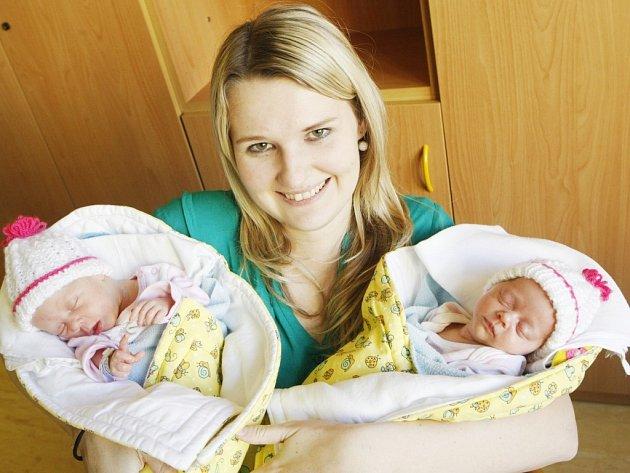 Vanesa a Tereza Zárybnická se narodily 14. 2. Tereza (na snímku vpravo) ve 20:40, měřila 41,5 cm a vážila 1490 g. Vanesa se narodila ve 20:41 hodin, měřila 42 cm a vážila 1720 g.  Maminka Kristýna a tatínek Martin jsou ze Srní u Hlinska.