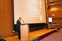 Jiří Šiller přednáší svůj referát na lékařském kongresu v Japonsku