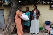 Pomoc indickým rodinám pokračuje
